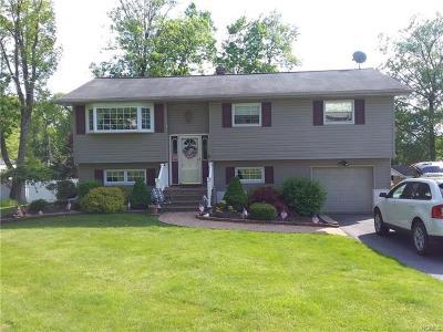 Monroe Single Family Home For Sale: 44 Dallas Drive