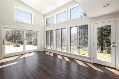 Westchester County Single Family Home For Sale: 2 Oscaleta Road