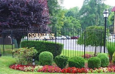 Westchester County Condo/Townhouse For Sale: 7 Granada Crescent #2