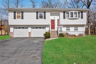 Middletown Single Family Home For Sale: 3 Paula Lane