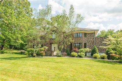Briarcliff Manor Single Family Home For Sale: 2 Kings Grant Way