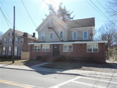 Multi Family 5+ For Sale: 108 Vineyard Avenue