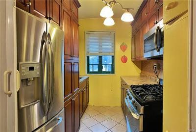 Bronx Condo/Townhouse For Sale: 1527 Metropolitan Avenue #7G
