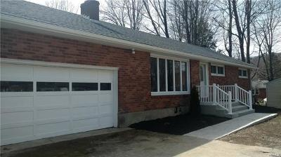 Newburgh Single Family Home For Sale: 206 Hy Vue Circle