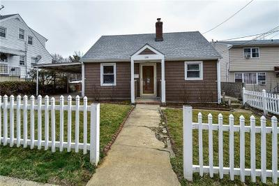 Yonkers Single Family Home For Sale: 196 Crescent Place