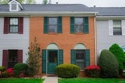 Westchester County Condo/Townhouse For Sale: 10 Poplar Circle
