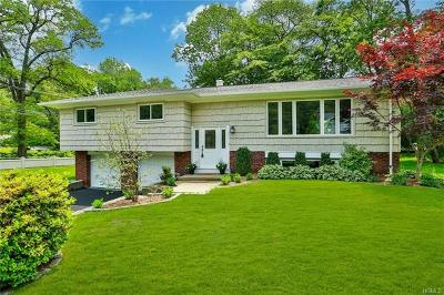 New Rochelle Single Family Home For Sale: 2 Briar Circle