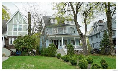 Middletown Single Family Home For Sale: 166 Highland Avenue
