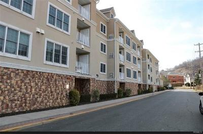 Rockland County Condo/Townhouse For Sale: 3 Cross Street #211