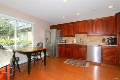 Somers Condo/Townhouse For Sale: 470 Heritage Hills #C