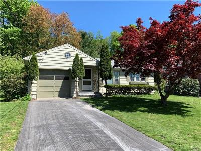 Warwick Single Family Home For Sale: 17 Galloway Heights