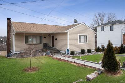 Yonkers Single Family Home For Sale: 133 Roundhill Drive