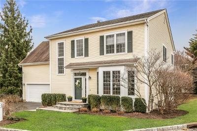 White Plains Single Family Home For Sale: 32 Valimar Boulevard