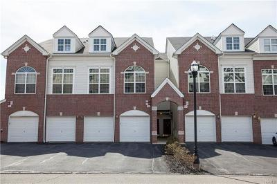New Windsor Condo/Townhouse For Sale: 1119 Balsam Drive