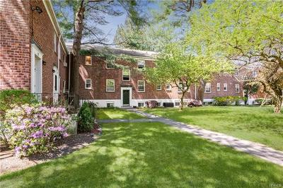 Westchester County Co-Operative For Sale: 33 Fieldstone Drive #D2