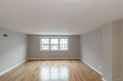 Yonkers Condo/Townhouse For Sale: 69 Georgia Avenue