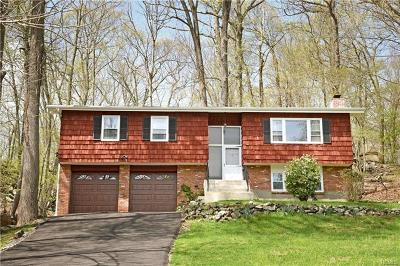 Cortlandt Manor Single Family Home For Sale: 36 John Cava Lane