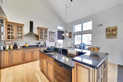 Central Valley Single Family Home For Sale: 33 Stainton Fareway