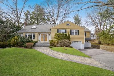 New Rochelle Single Family Home For Sale: 141 Hilary Circle