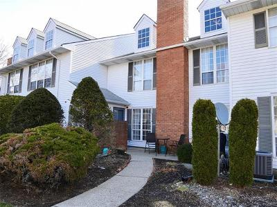 Warwick Condo/Townhouse For Sale: 30 The Rise