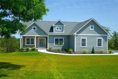 Milton Single Family Home For Sale: 22 Quaker Hill Road