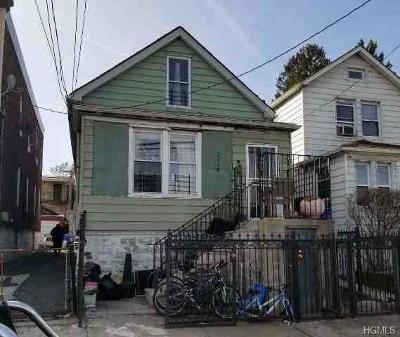 Bronx Single Family Home For Sale: 2138 Bruckner Boulevard