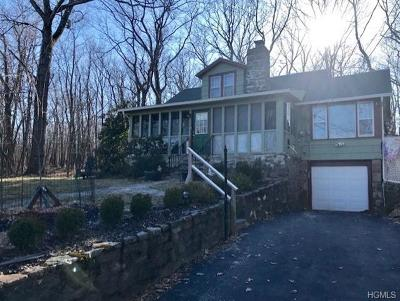 Monroe Single Family Home For Sale: 2 Dogwood Lane