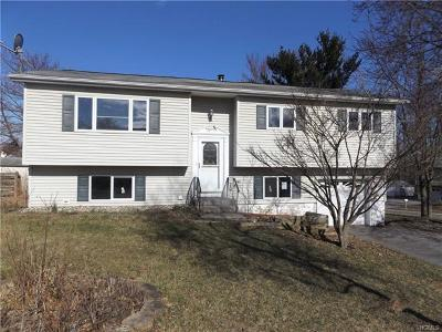 Middletown Single Family Home For Sale: 2 Twin Wells Court