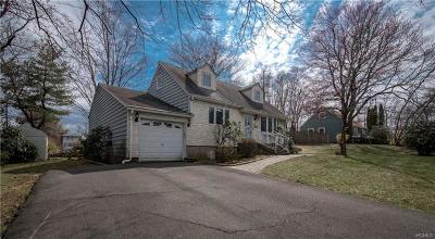 Nanuet Single Family Home For Sale: 9 Orchard Lane