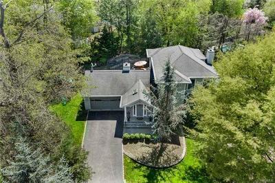 Irvington Single Family Home For Sale: 5 Half Moon Lane