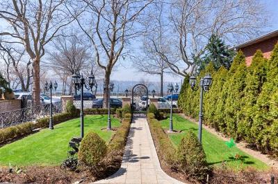 Brooklyn Single Family Home For Sale: 8375 Shore Road