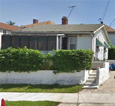 Bronx Single Family Home For Sale: 4440 Seton Avenue