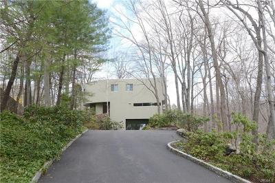 Chappaqua Single Family Home For Sale: 25 Attitash Street