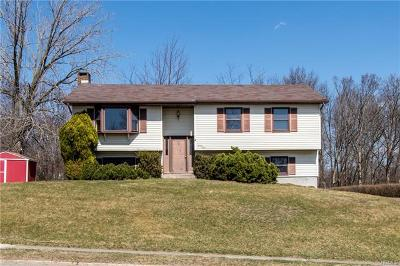 Middletown Single Family Home For Sale: 24 Fortune Road East