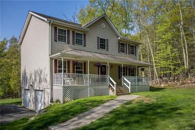 Pine Bush Single Family Home For Sale: 604 Oregon Trail