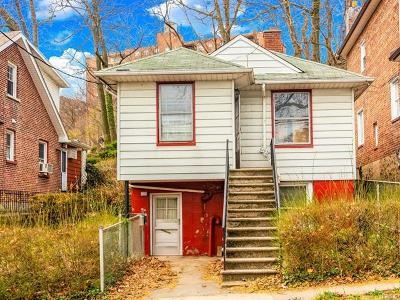North Riverdale Single Family Home For Sale: 5455 Sylvan Avenue