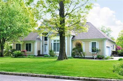 Irvington Single Family Home For Sale: 13 Manor Pond Lane