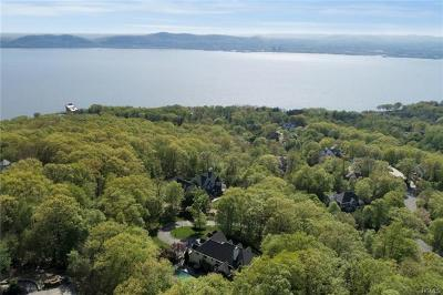 Croton-on-hudson Single Family Home For Sale: 21 Arrowcrest Drive