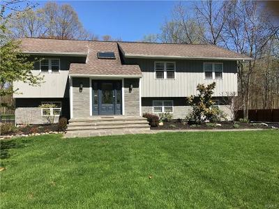 Putnam County Single Family Home For Sale: 46 Center Road