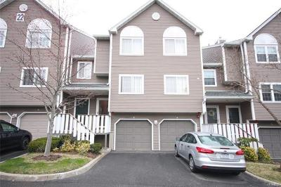 Nanuet Condo/Townhouse For Sale: 7 Hilltop Terrace