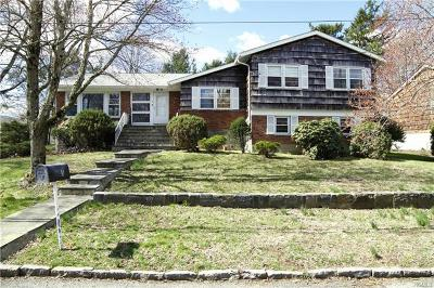 White Plains Single Family Home For Sale: 5 Roland Drive
