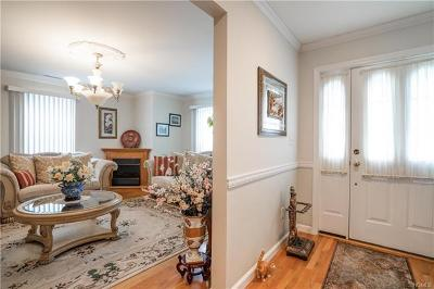 Elmsford Single Family Home For Sale: 32 North Evarts Avenue