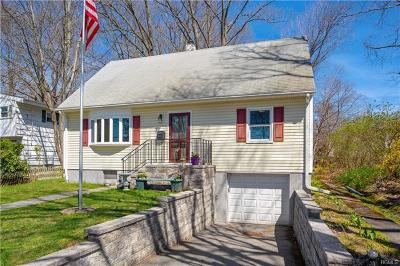 Hartsdale Single Family Home For Sale: 51 Chaucer Street