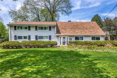 Rye Brook Single Family Home For Sale: 15 Beacon Lane