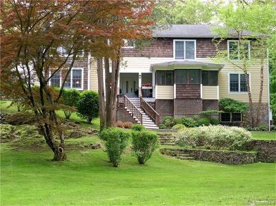 Ossining Single Family Home For Sale: 125 Hawkes Avenue