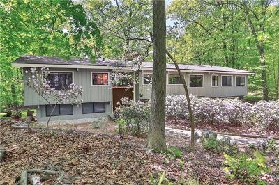 Armonk Single Family Home For Sale: 9 Laurel Hill Place