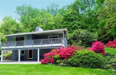 Croton-On-Hudson Single Family Home For Sale: 63 Quaker Bridge Road