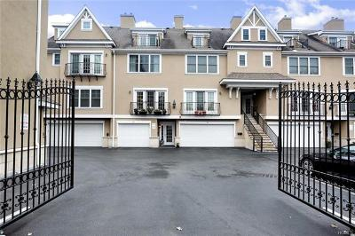 New Rochelle NY Condo/Townhouse For Sale: $599,999