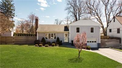 White Plains Single Family Home For Sale: 87 Barnwell Drive
