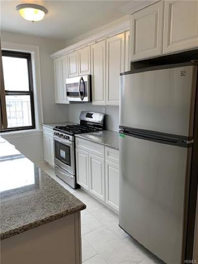 White Plains Condo/Townhouse For Sale: 30 Windsor Terrace #2C